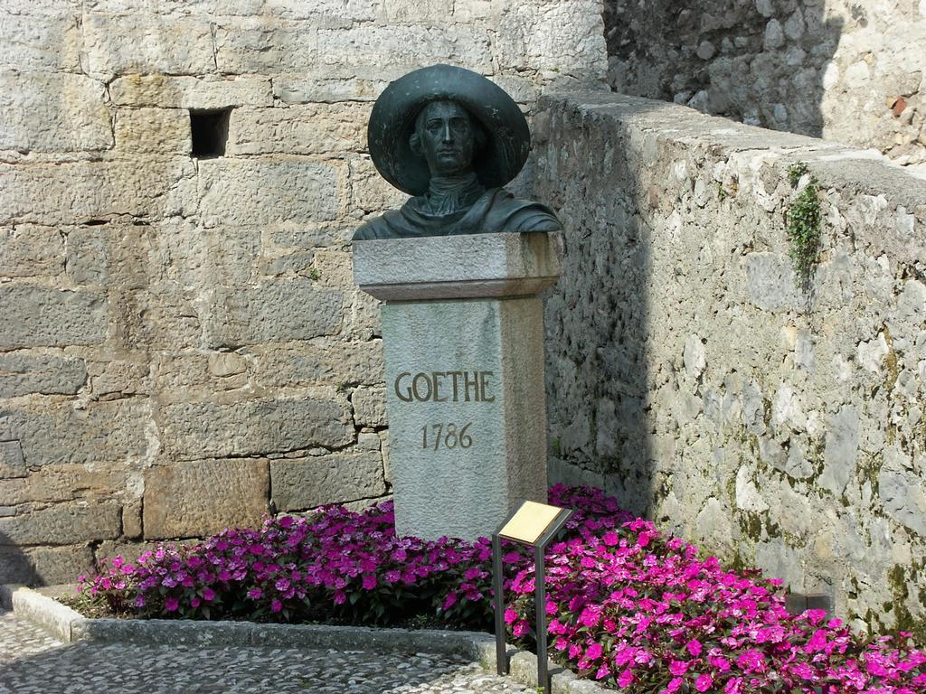 Statue of Goethe at the castle